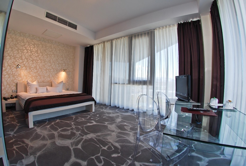 Camere Executive West City Hotel Atunci