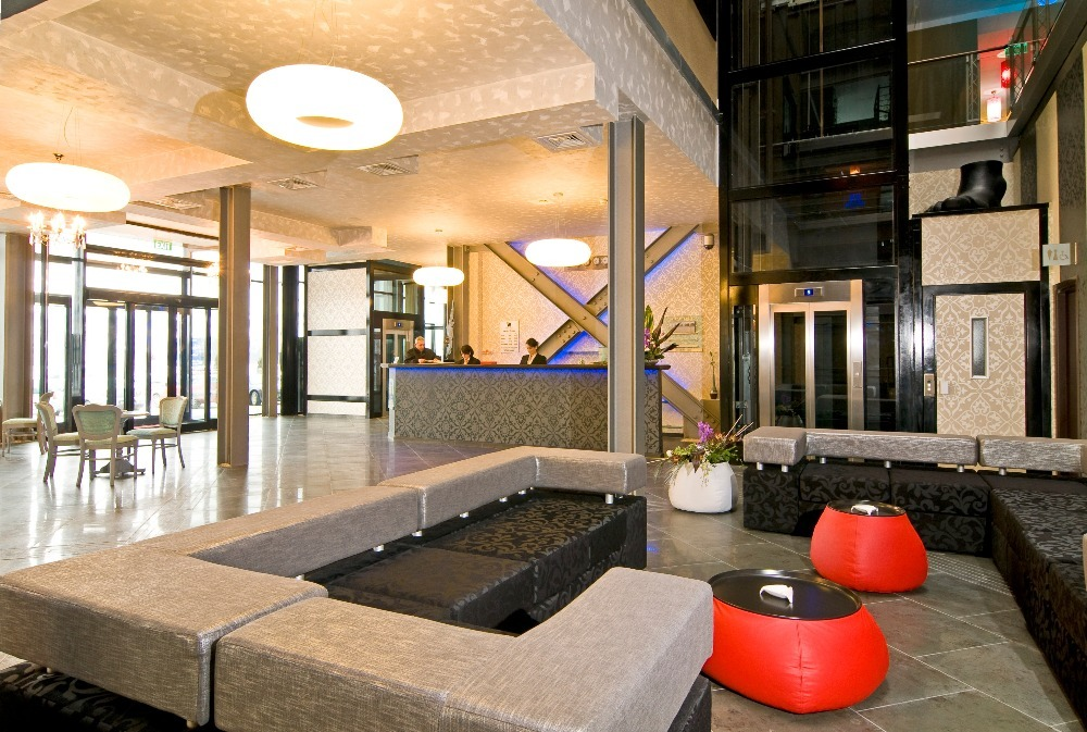 Lobby West City Hotel Atunci