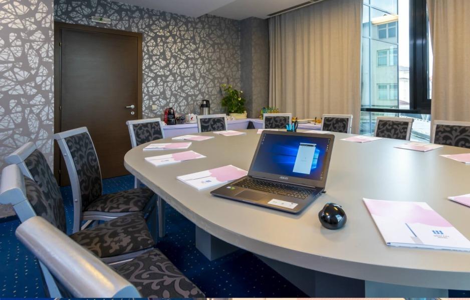 Sala de conferinte Board Room West City Hotel