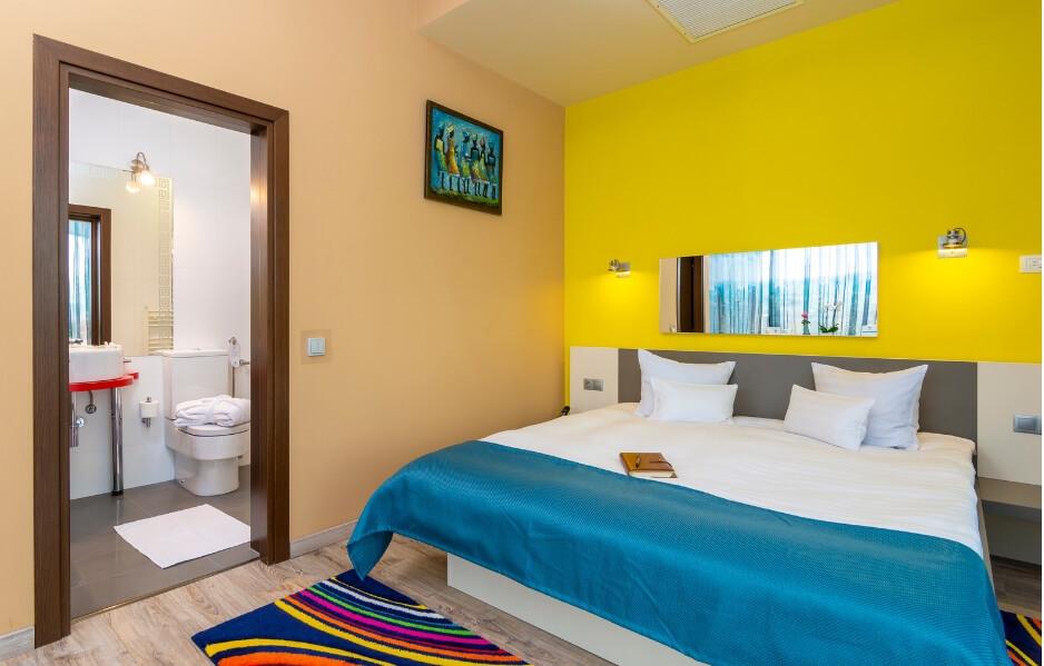 Camerele Executive: confortabile, colorate, moderne