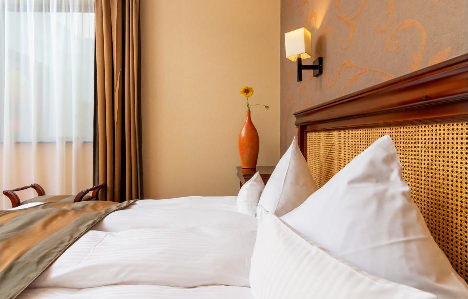 Pat camera de hotel Cluj
